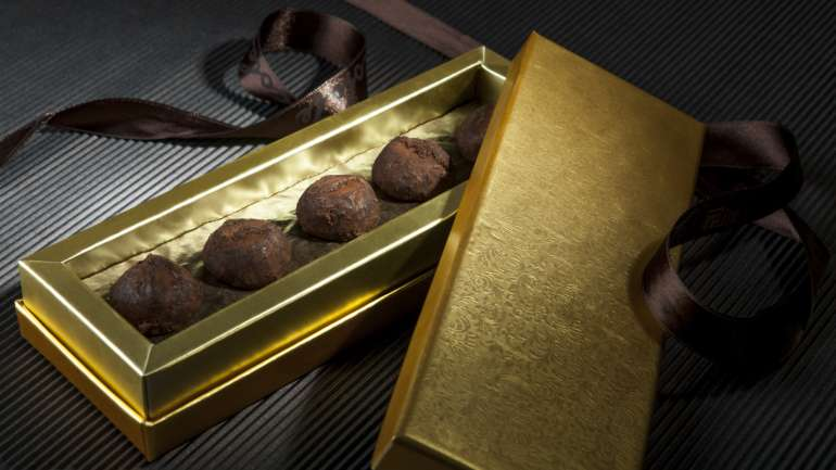 The Benefits of Decadence: Chocolate And Gold used by Cocoage Cosmetics