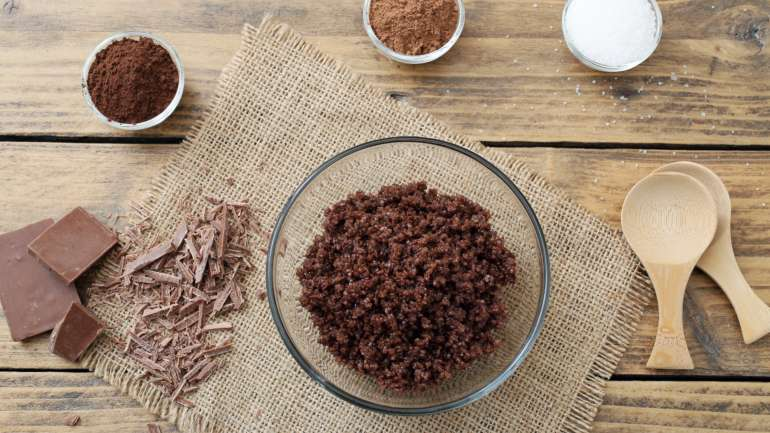 5 Reasons for Full Body Exfoliation with a Chocolate Body Scrub